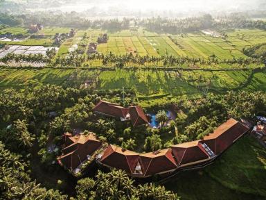 bhuwana_rice_field_resort